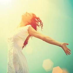happy-woman-freedom-001